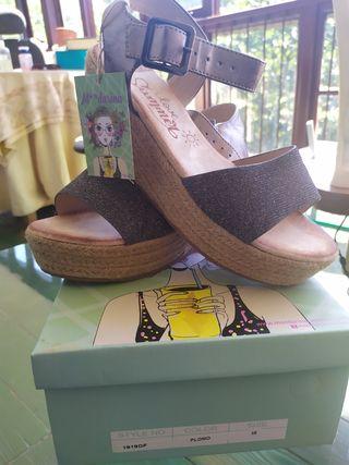 sandalias con alza sin usar