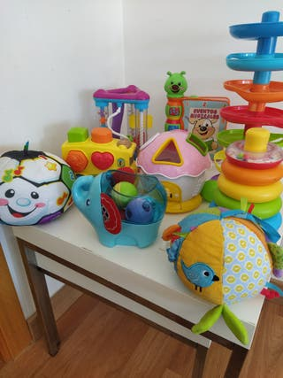 Lote de juguetes Bebé + Mesa de Juegos