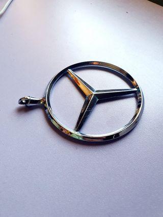 insignia Mercedes-Benz