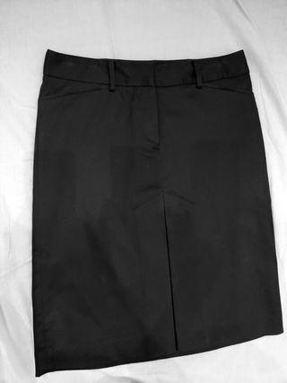 Falda Zara negra con plisado