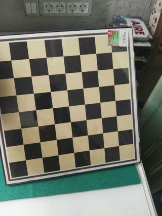 tablero de ajedrez damas y parchis