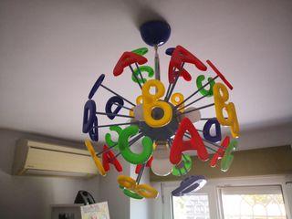 Lámpara infantil techo letras colores