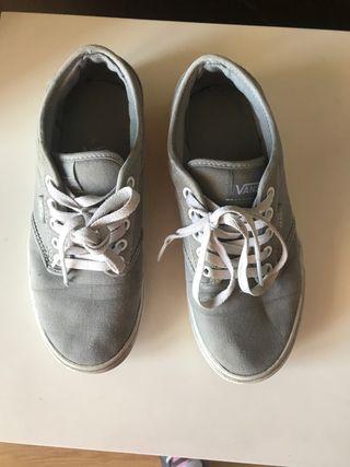Zapatillas grises talla 37