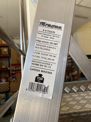 Escalera almacen aluminio con ruedas