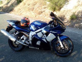 moto Yamaha YZR R6