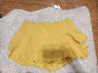 Falda pantalón amarilla Zara