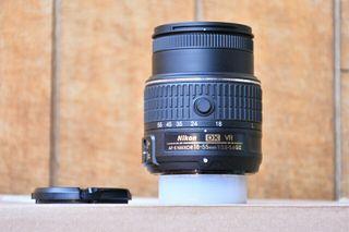 Nikon DX 18-55mm y anillo para macrofotografía.