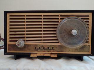 Ràdio antiga