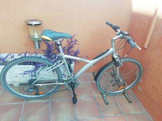 Bicicleta marca decatlon