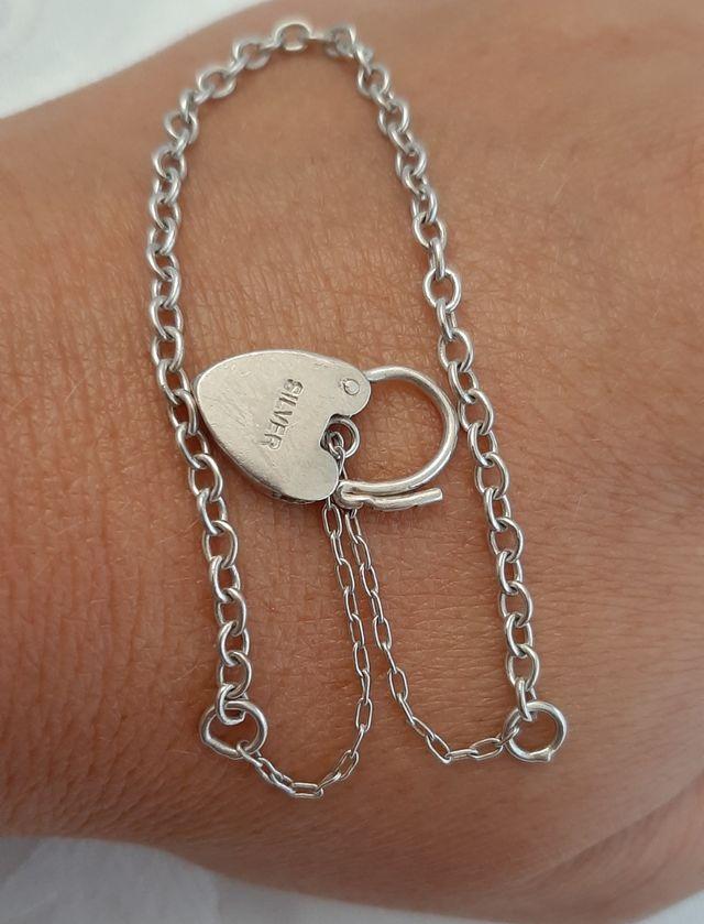 Pulsera de plata maciza SILVER con cierre corazón