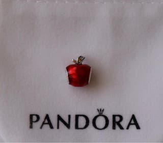 "Charm Disney Pandora ""Manzana de Blancanieves"""