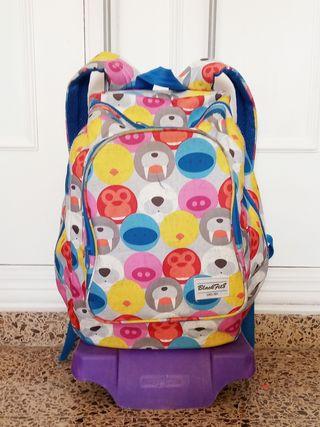carro y mochila escolar black fit8