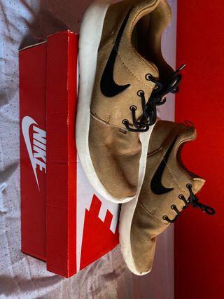 Nike roshe run marrones