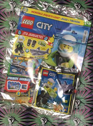 REVISTA LEGO CITY 18 BUZO MÁS TIBURÓN