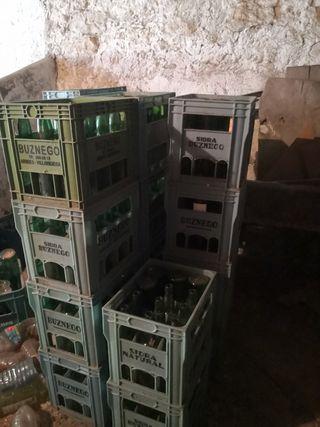 Vendo lote de botellas de sidra y cajas