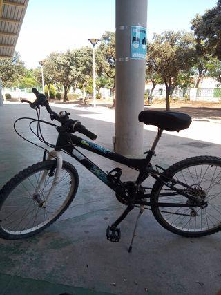Bicicleta del decathlon en buen estado