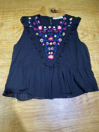 Talla XS, blusa plumeti negra de Zara mujer