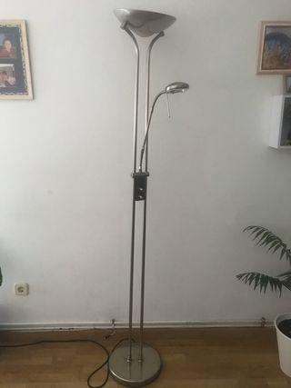 Lámpara píe halógena