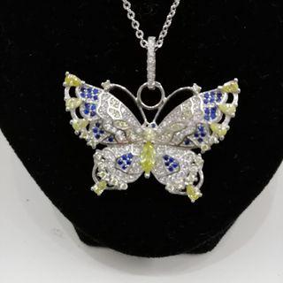 cadena de plata con colgante de mariposa