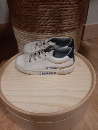 Zapatillas Zara talla 23