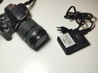 Canon Eos Rebel T4i 650D + Obj. 18-135 + cargador