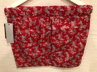 Falda de flores de Stradivarius
