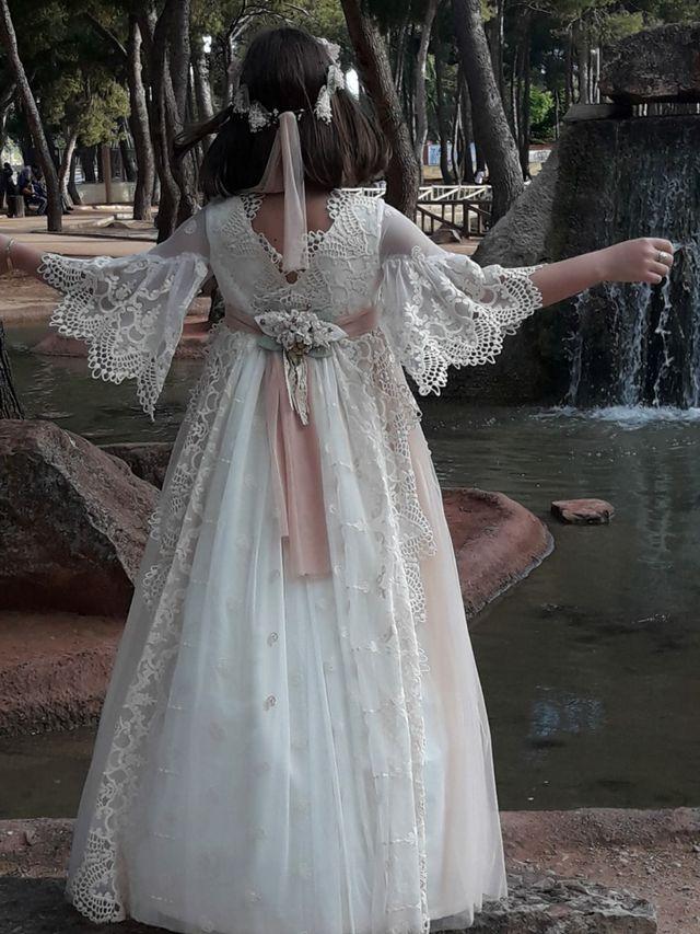 Vestido de comunión Talla 9 Modelo: Mon-air