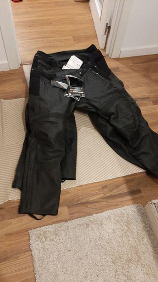 pantalon de cuero Berling reforzado con proteccion