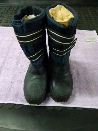 bota goma con impermeable