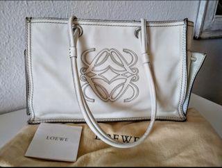 Bolso blanco de Loewe