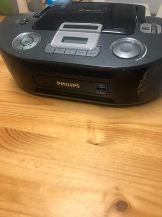 Radio y reproductor de CDs Phillips