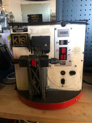 Máquina de llaves automática