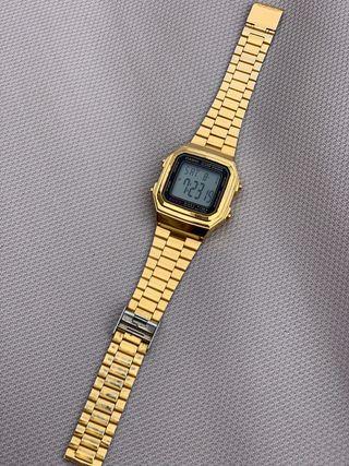 Reloj Casio dorado de segunda mano en la provincia de A