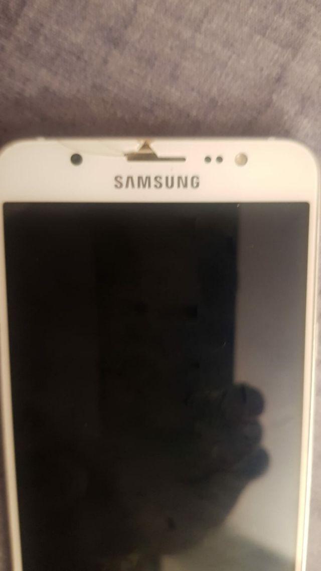 Teléfono Samsung J7