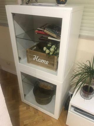 Mueble salón con puerta cristal