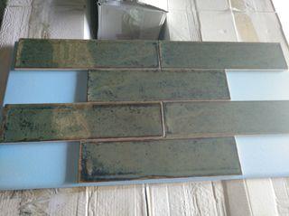 azulejo porcelanico verde envejecido
