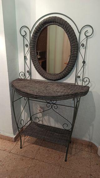 Mueble de forja y mimbre