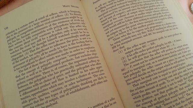 Libro THE ECONOMICS OF SELLERS. Año 1952