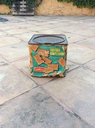 Caja antigua galletas marca Cuetara