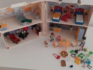 casa maletin muñecas playmobil