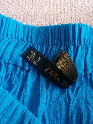 falda azul de Zara