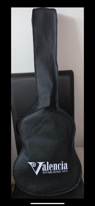 Valencia VC204NA 4/4 Size Classical Guitar