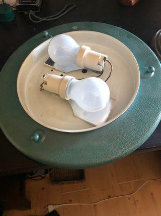 Plafón techo, lámpara y portatoallas