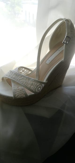cuñas novia,boda, blancas, encaje. zapatos verano