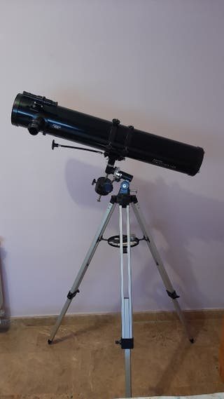 Telescopio Celestron con tripode