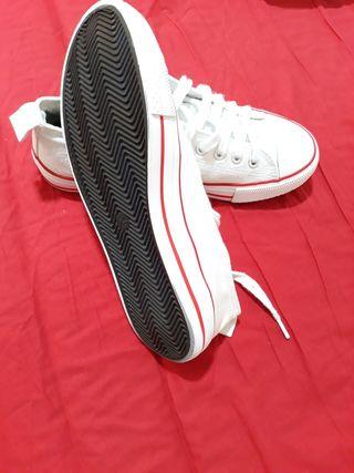 Zapatillas tipo Converse