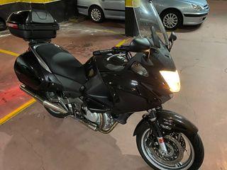 Honda Deuville NT700V