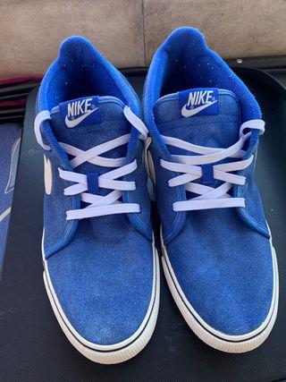 Zapatilla Nike azul