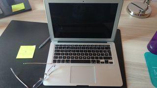 Mac Book Air muy bien conservado