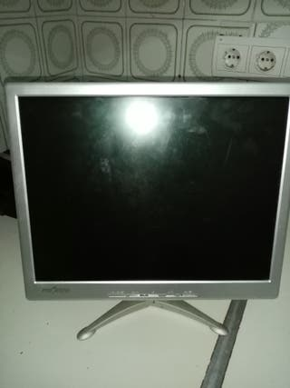 monitor de ordenador marca Proview